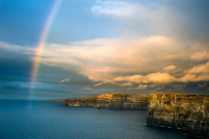 Day retreat Rainbow over cliffs